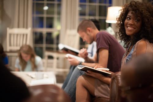 6_Ways_Churches_Can_Reach_Millennials.jpg