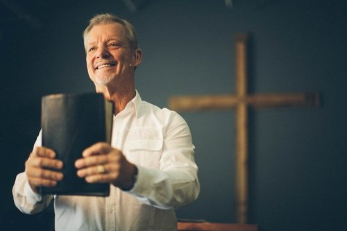 9_Characteristics_Of_An_Effective_Interim_Pastor.jpg