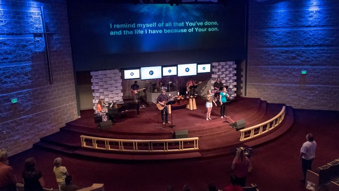 St_Marks_Lutheran_Worship.jpg